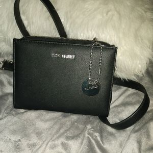Black Small Steve Madden crossover purse